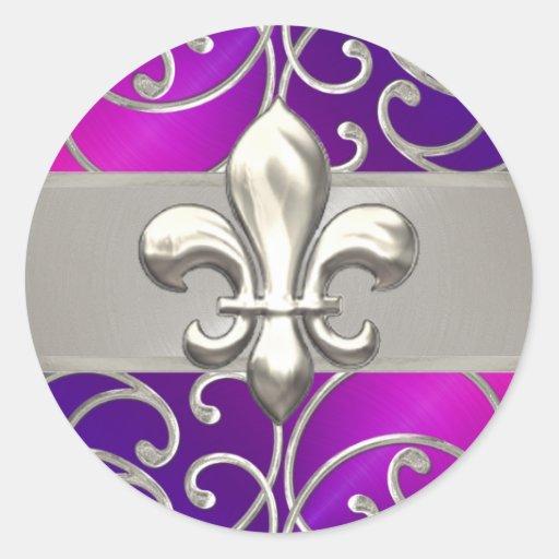 Flor de lis afiligranada púrpura y de plata rosada pegatina redonda