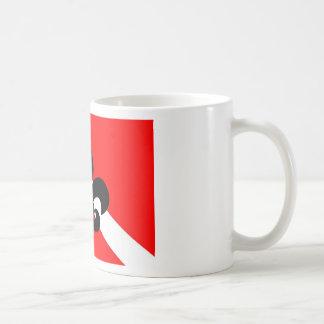 Flor de lis de la bandera de la zambullida taza básica blanca