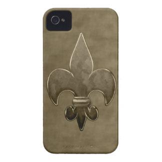 Flor de lis de los santos del terciopelo del oro Case-Mate iPhone 4 cobertura