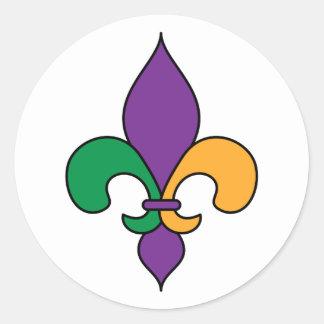 Flor de lis púrpura del carnaval del verde pegatina redonda