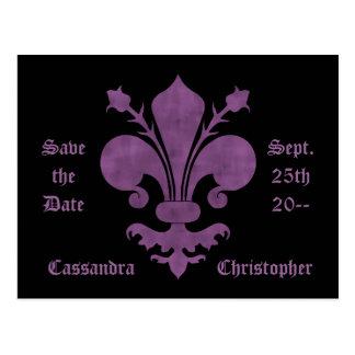 Flor de lis púrpura en reserva del negro el boda d tarjeta postal