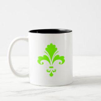 Flor de lis verde chartreuse, de neón tazas