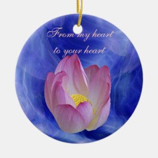 Flor de loto sincera adorno navideño redondo de cerámica
