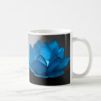Flor de Lotus azul Taza