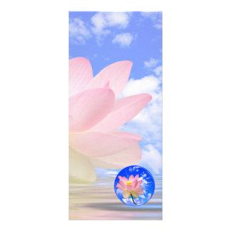 Flor de Lotus llevada en agua Plantilla De Lona