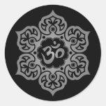 Flor de Lotus oscura OM Etiqueta Redonda