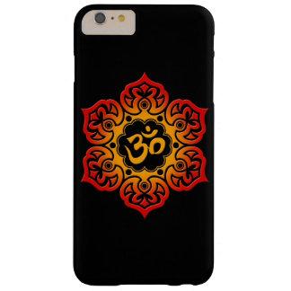 Flor de Lotus roja y amarilla OM en negro Funda Barely There iPhone 6 Plus