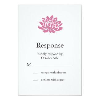 """Flor de Lotus rosada RSVP (blanco) Invitación 3.5"""" X 5"""""""