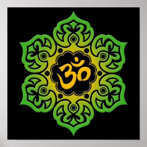 Flor de Lotus verde y amarilla OM en negro Poster