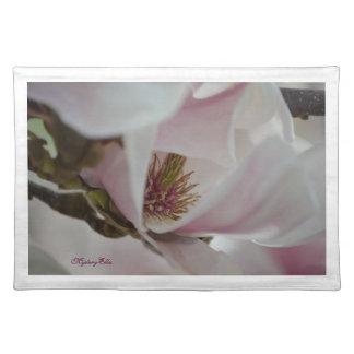 """""""flor de magnolio"""" by mysteryella manteles individuales"""