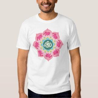 Flor de Namaste Lotus de los elefantes rosados Remeras
