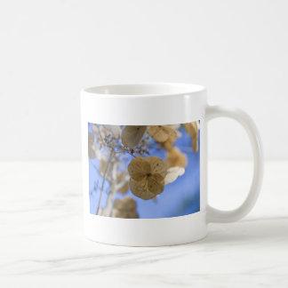 Flor de papel azul taza clásica
