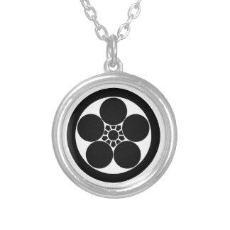 flor del ciruelo del Umebachi-estilo en círculo Colgante Redondo