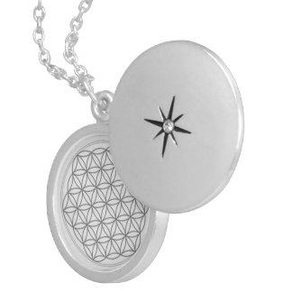 Flor del collar del símbolo de la vida