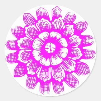 Flor del este rosada pegatina redonda