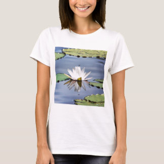 flor del lilypad playera