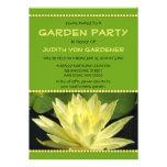 Flor del lirio de agua amarilla de la fiesta de ja invitacion personalizada