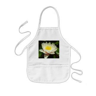 Flor del lirio de agua blanca delantal infantil