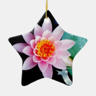 Flor del lirio de agua del loto de las rosas fuert ornamente de reyes