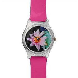 Flor del lirio de agua del loto de las rosas relojes de pulsera