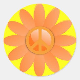 Flor del símbolo de paz - naranja de Cantelope Etiquetas Redondas