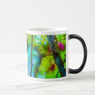 Flor dentro taza mágica