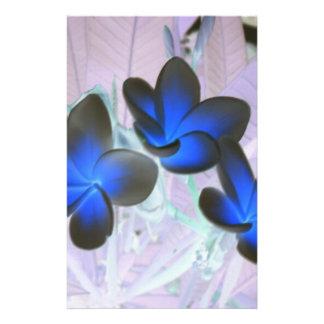 "Flor elegante azul folleto 5.5"" x 8.5"""