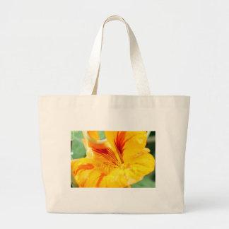 Flor en amarillo bolsa