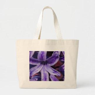 flor en el jardín bolsa