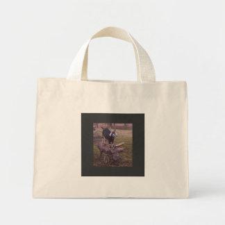 Flor en un tocón de árbol bolsas