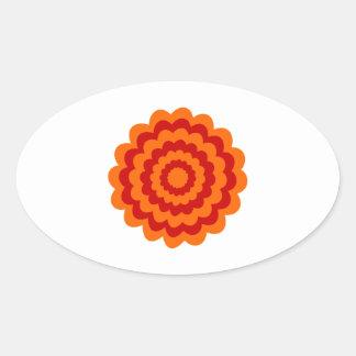 Flor enrrollada en anaranjado y rojo pegatina ovalada