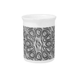 Flor grabada en relieve de la arena del metal de jarras para bebida