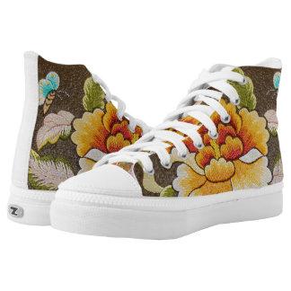flor hecha a mano del bordado zapatillas