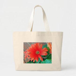 Flor hermosa de la margarita bolsa tela grande