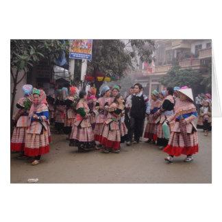 Flor Hmong que va a comercializar Tarjeta Pequeña