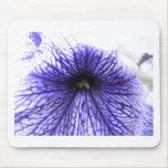 Flor modelada vena púrpura tapete de ratón
