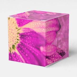 flor mojada rosada caja para regalo de boda