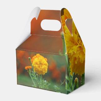 flor mullida amarilla de la maravilla cajas para regalos