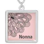 Flor negra de moda del collar de Nonna en rosa
