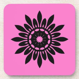 Flor negra linda de la mandala en rosa posavasos de bebidas