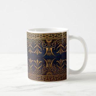 Flor-oro griego de la llave y de Lotus Taza Básica Blanca
