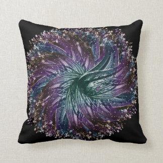 flor oscura cojín decorativo