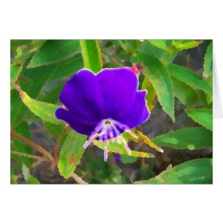 flor púrpura contra efecto pintado verde tarjetas