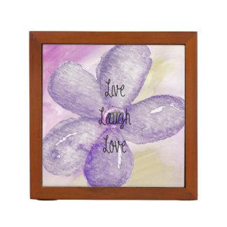 Flor púrpura de la acuarela del oro viva