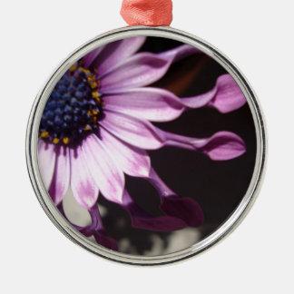 Flor púrpura de la cuchara adorno navideño redondo de metal