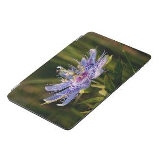 Flor púrpura de la pasión cubierta de iPad mini