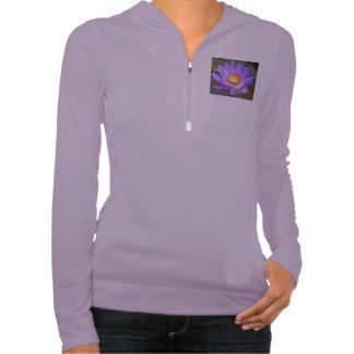 Flor púrpura de Lotus en la sudadera con capucha