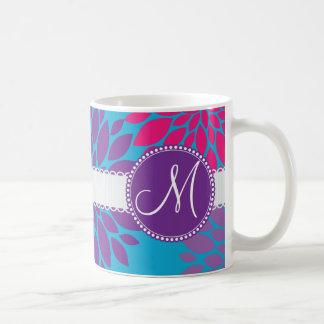 Flor púrpura del monograma del rosa de encargo de taza