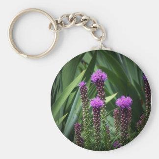 flor púrpura del tasseld llavero redondo tipo pin