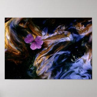 Flor púrpura en el Burl de la secoya Posters